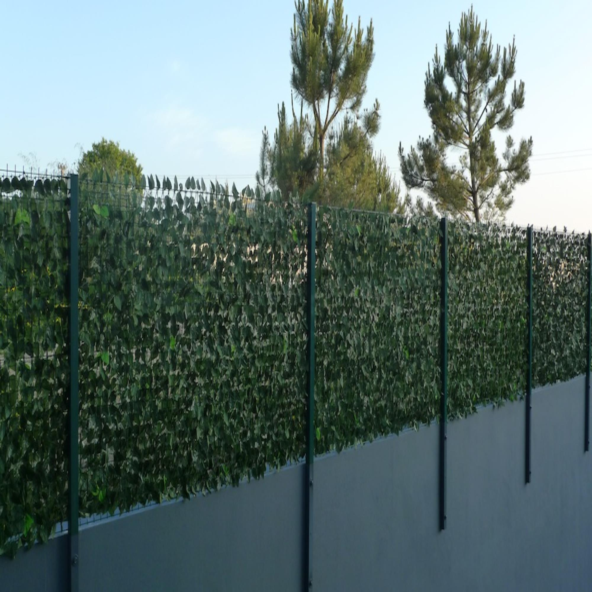 Artificial Hedge Fence Screening